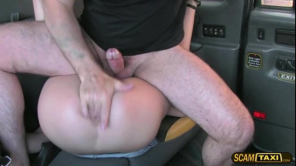 Damn hot blondie girl gets creampie in the backseat