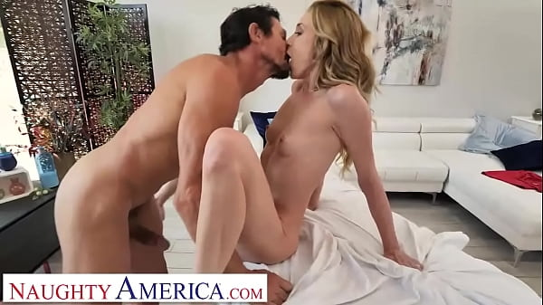 Naughty America - Aiden Ashley has massage stud give her a happy ending