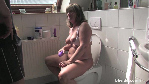 Bbvideo.com Chubby German MILF fucking in bathroom
