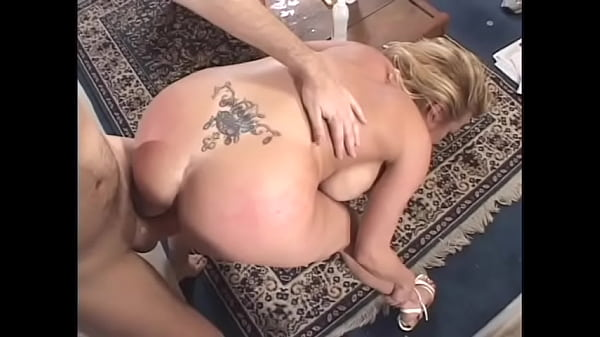 Fair-haired street artist with big bazookas Jennifer Steele needs to train her new program in fire spinning before letting her friend to jam her twat with his masive dick