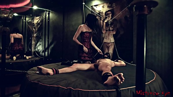 Femdom Nipple t. of a chained male Sub - Mistre...