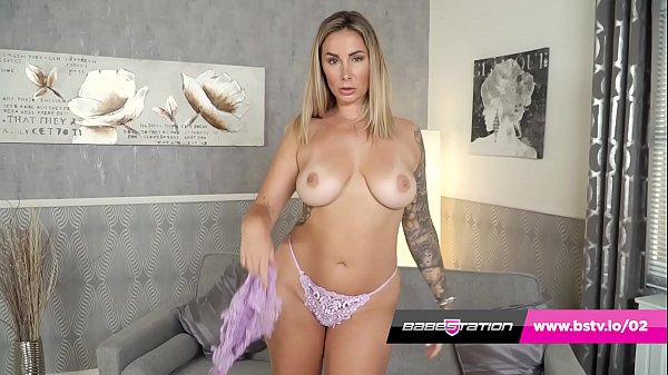 Paige Turnah's big ass and natural tits on show at Babestation