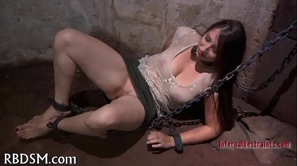Caged up babe gets gratifying Thumb