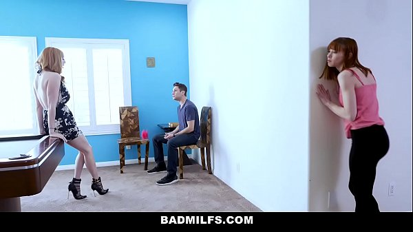 BadMILFS - Slutty Mom (Lauren Phillips) Fucks Stepdaughter (Alexa Nova) And Her Boyfriend Thumb