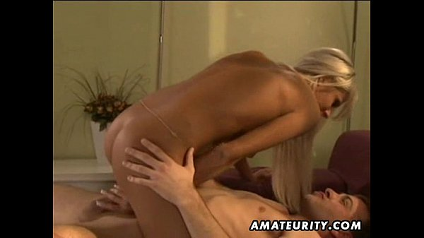 Hot amateur girlfriend home action with facial shot