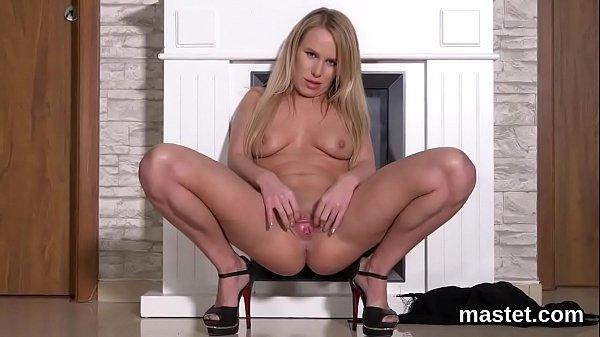 Slutty czech chick stretches her wet cunt to the extreme