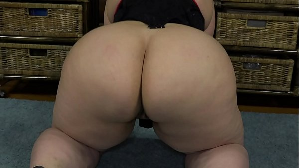 Seductive video for a boyfriend. Gorgeous bbw exposes charms and shakes big booty