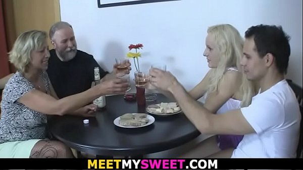 His blonde GF licks mature pussy and rides old ...