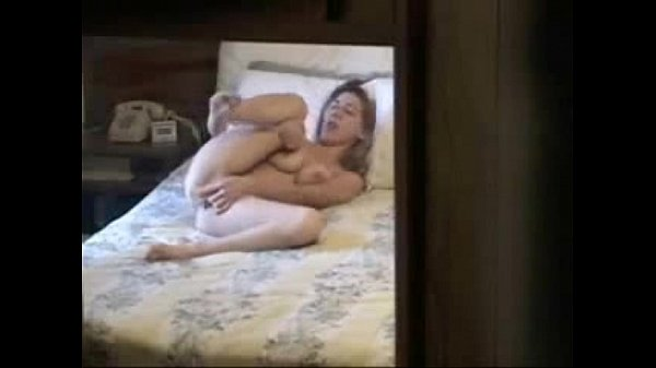 Spying my kinky sister masturbating on bed. Hid...