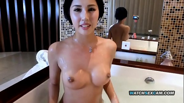 Sexy Chinese camgirl takes a bath - full video @ tubeorient.com