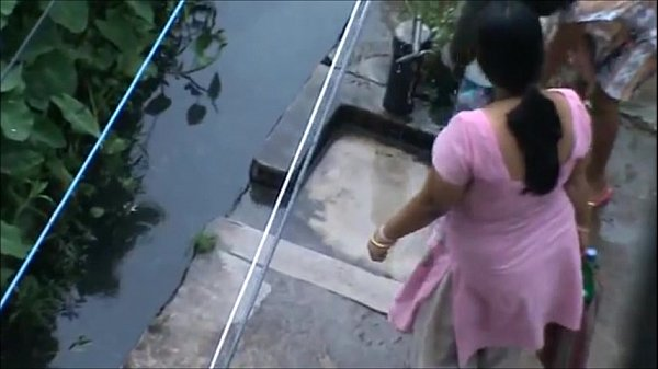 Indian Aunty with huge boob