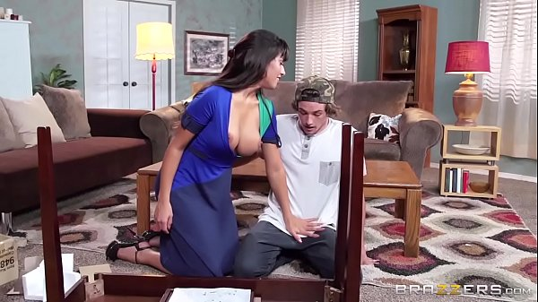 Brazzers - Very Helping Hands scene Thumb