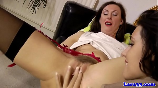 Mature english cougar sixtynines euro babe