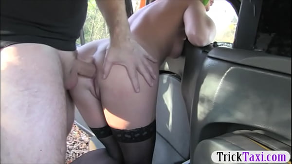 Kinky amateur slut railed by the driver