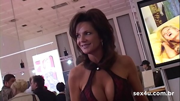 Don Picone at the Venus Erotic Fair in Berlin. Exclusive SEX4U in love with the goddess MILF - HighLights 9