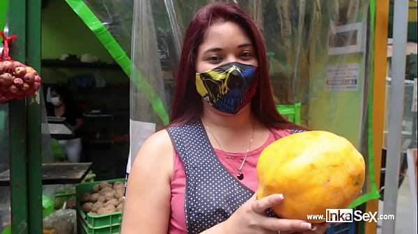 Katy Sex beautiful Venezuelan sells her rich fruit and is submitted by Peruvian