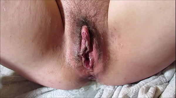 Creampied Pussy Leaks Piss Pushing out Load