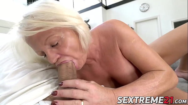 Kinky Anett has pussy pumped with young dick after BJ Thumb