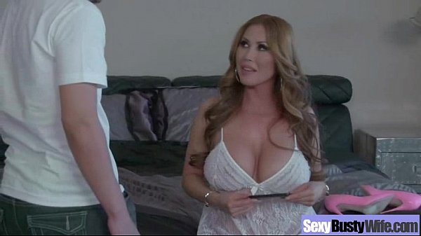 Busty Housewife (kianna dior) In Hardcore Sex Action Secene movie-19