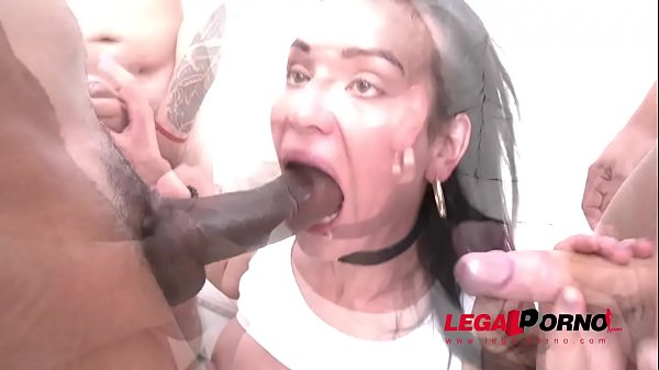 Nataly Gold roughed up & double anal fucked SZ2005