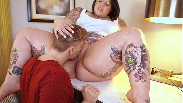 Bossy BBW Sugarbooty with HUGE ASS has her way with her Big Cock Intern Steve Rickz!