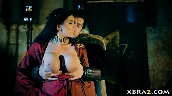 Game of Thrones xxx parody dungeon fuck with th...