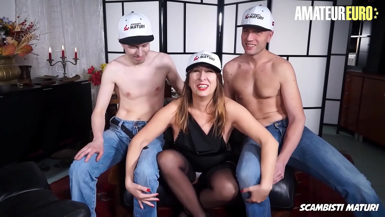 AMATEUR EURO - #Veronica Rossi - Naughty Mature Italian Lady Takes Anal In Hot 3way