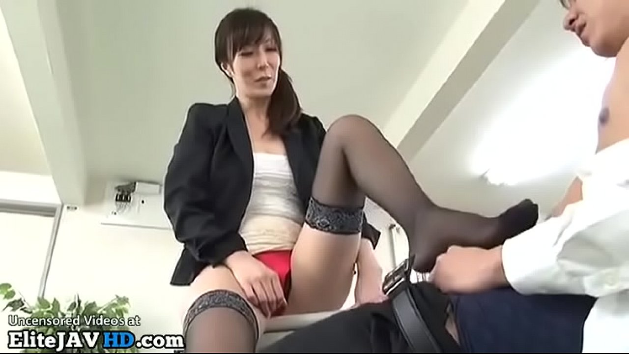 Japanese Big Tits Young Mom