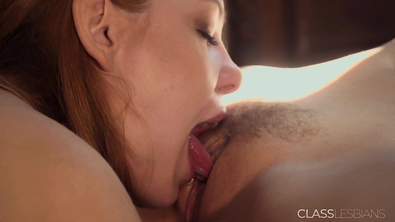 Lesbian Intense Pussy Licking