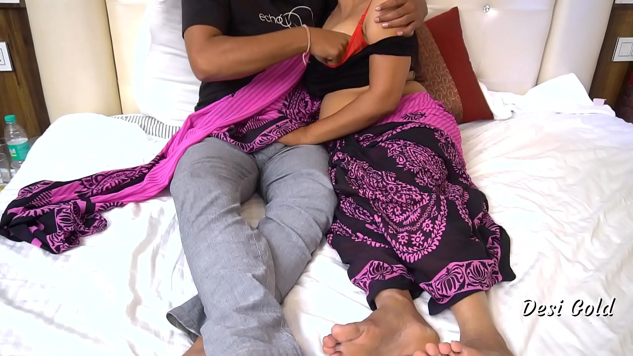 Hot Indian Bhabhi Making Sex With Lover