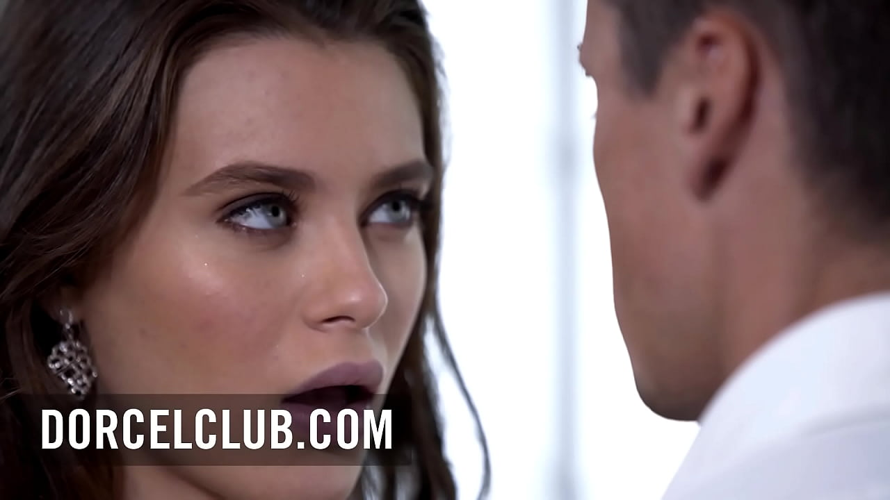 Iconic duo French Claire Castel and superstar Lana Rhoades in this great pornochic orgy