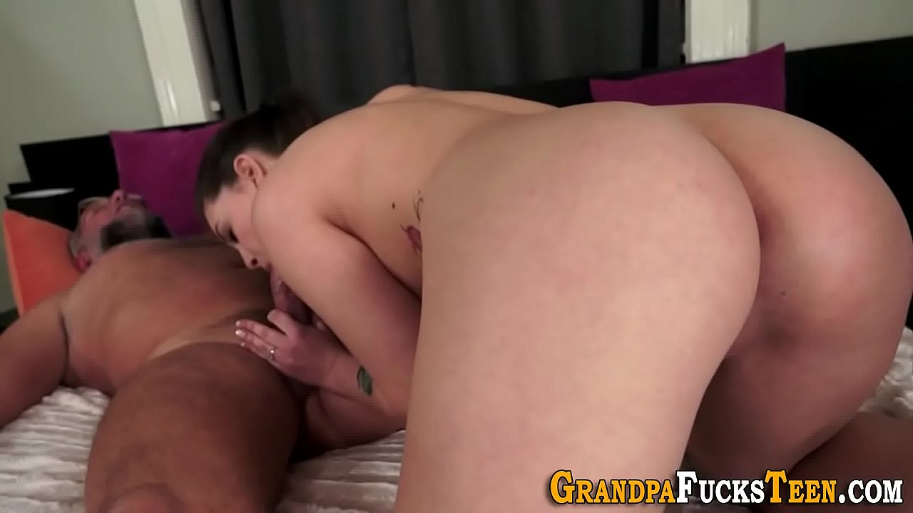 Hairy Old Pussy Pissing