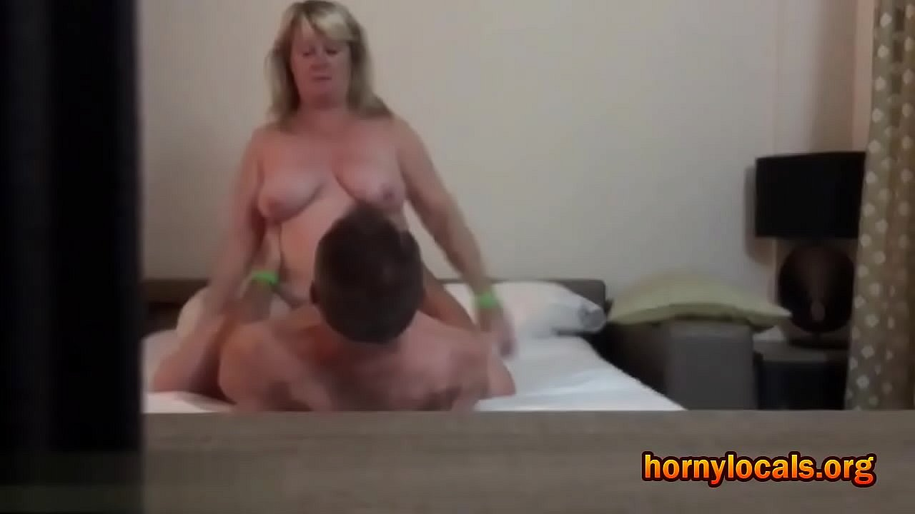 Amateur Chubby Riding Cock