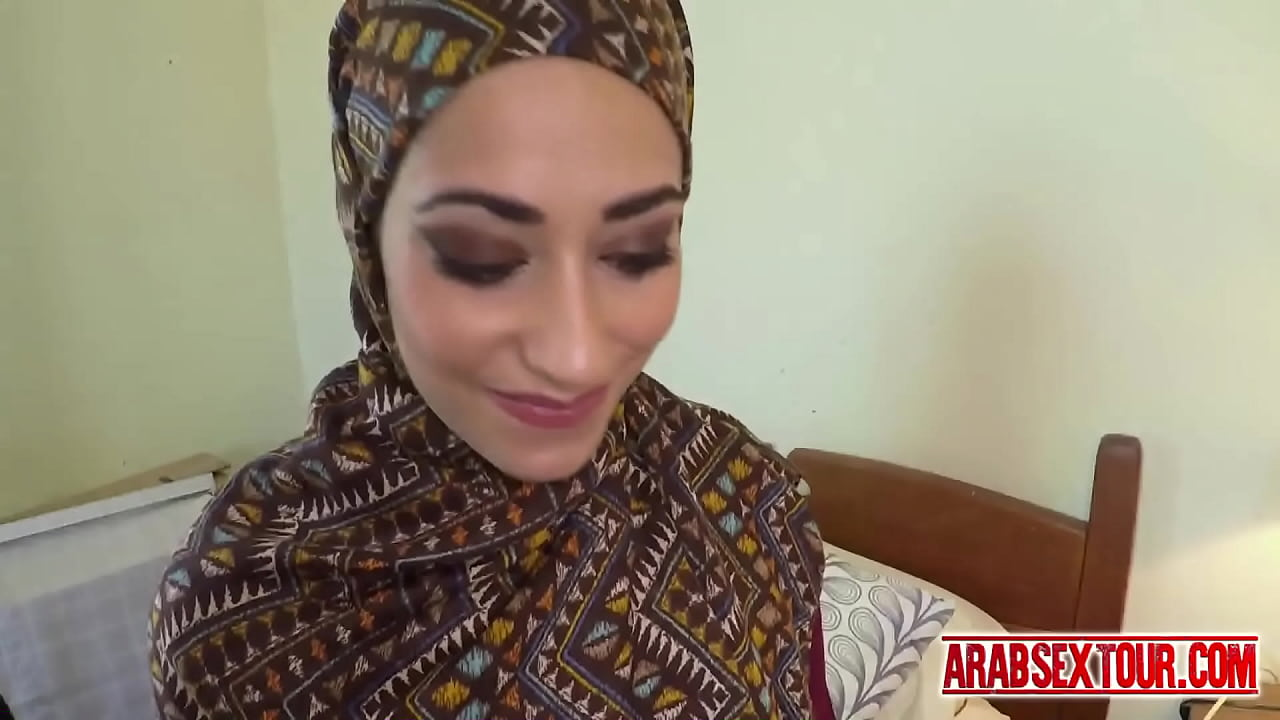 Shameless Arab Slut Works With Her Hands And Mouth For Cum