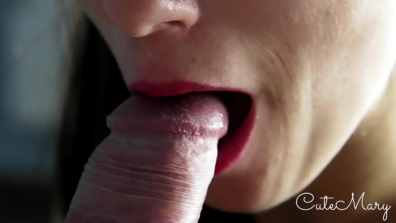 A MAGNIFICENT BLOWJOB ENDS UP WITH AN EPIC CUMSHOT, TOO MUCH FOR HER MOUTH