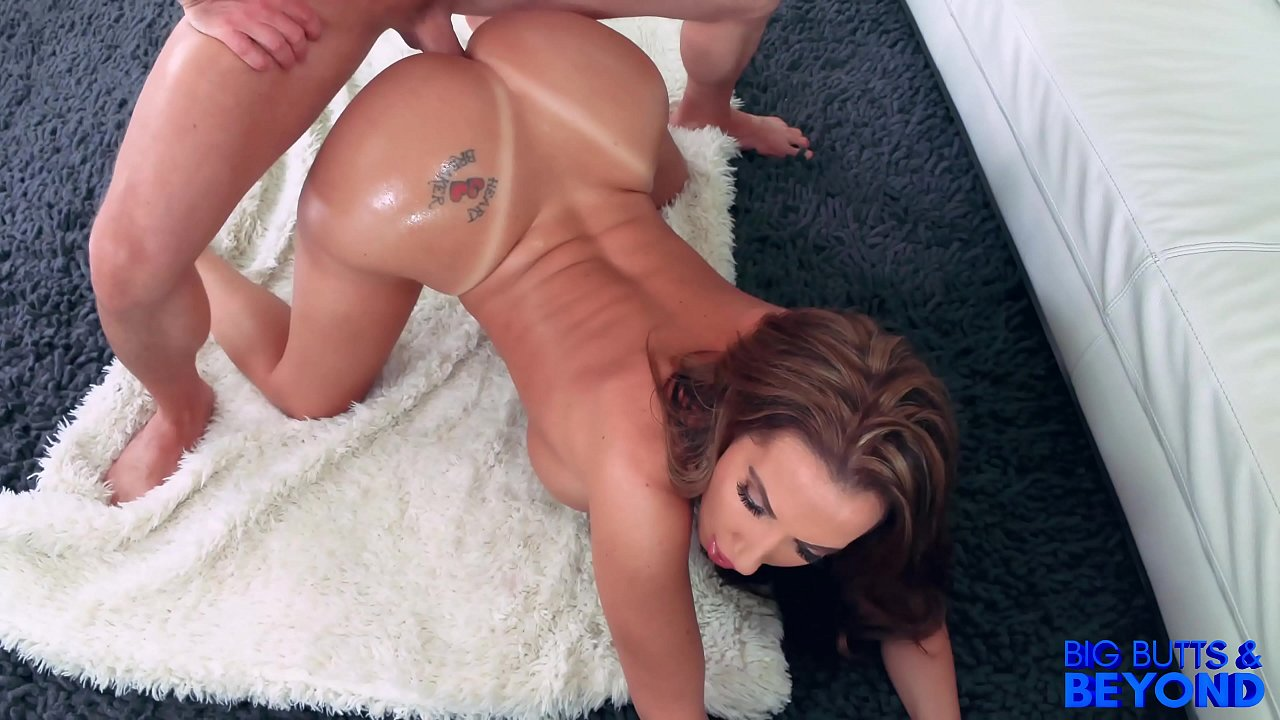 Richelle Ryan -Big Butts & Beyond * Bubble Booty * MILF avec Laz Fyre