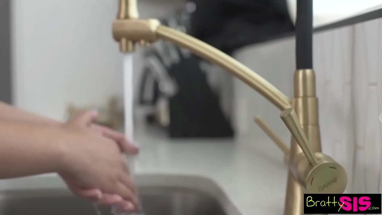 """Step Sis """"If I suck it, do you promise you'll wash your hands?"""" S16:E7"""