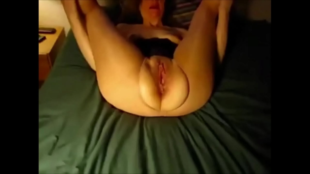 Amateur Wife Licking Pussy