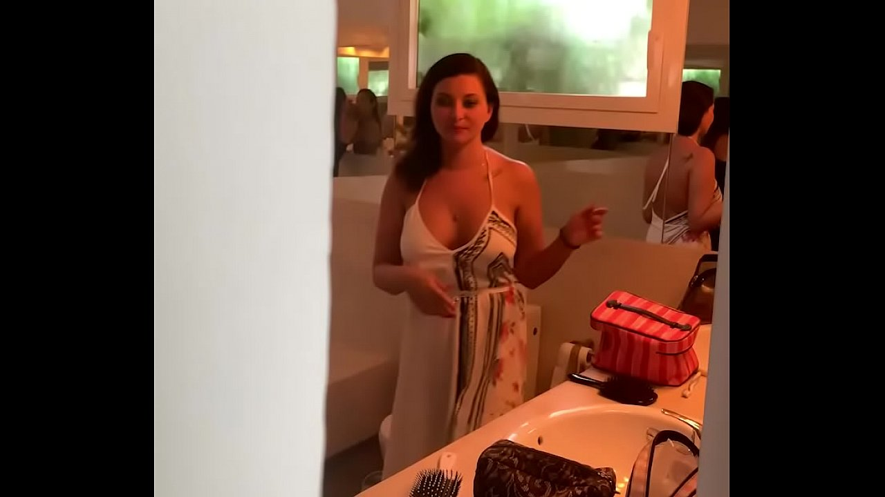 Clea Gaultier having a quickie after a party in Ibiza  thumbnail