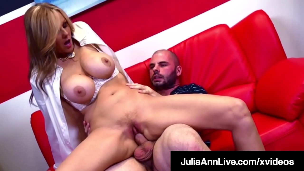 Busted teacher julia ann fucks with a student Hot For Teacher Professor Pussy Julia Ann Fucks Her Pupil Xvideos Com