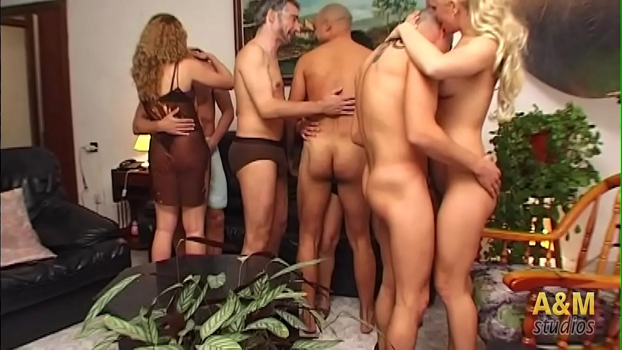 https://img-hw.xvideos-cdn.com/videos/thumbs169poster/c4/09/26/c409269832ebf19f45ca89be44be1925/c409269832ebf19f45ca89be44be1925.3.jpg