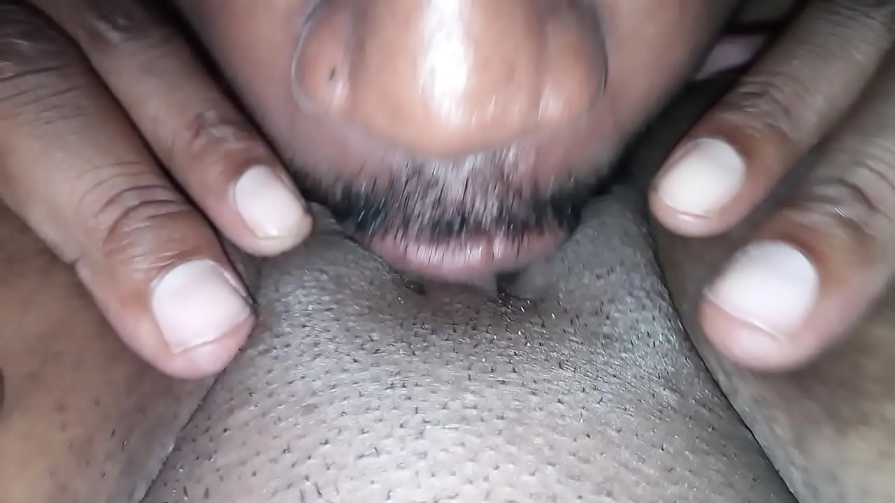 Best Friend Licks Pussy