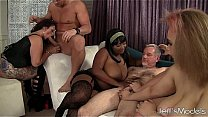 8 horny plumpers sharin...