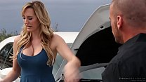 Brett Rossi pays with N...