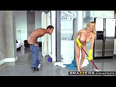 Brazzers - The Naked Mom Alexis Fawx and Johnny Castle