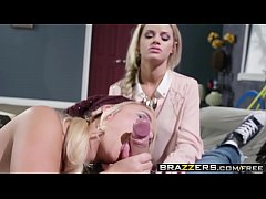 Two hot blondes (Alexis Monroe, Jessa Rhodes) share one lucking cock - Brazzers