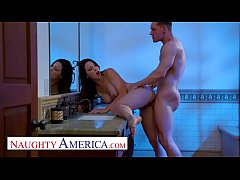 Naughty America - Audrey Miles sneaks a fuck wi...