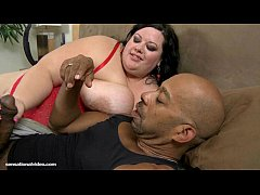 Sexy SSBBW Desiree Divine...