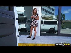 BANGBROS - Helping Out A...