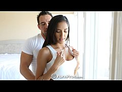 HD PornPros - Pretty teen Chloe Amour gives a m...